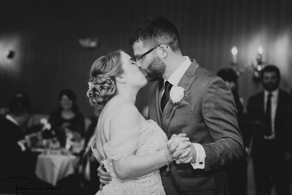 Chocksett Inn Wedding, Wedding Photographer, Wedding Photography, Chocksett Inn Preferred Vendor, Reiman Photography, Winter, December Wedding