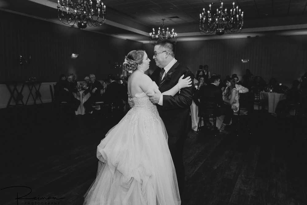 Chocksett Inn Wedding, Wedding Photographer, Wedding Photography, Chocksett Inn Preferred Vendor, Reiman Photography, Winter, December Wedding